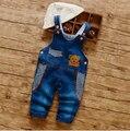 Весной и Осенью мальчика одежды моде джинсовые брюки лоскутные карманы Характер носит нагрудник брюки дети случайный комбинезон 1-2Y