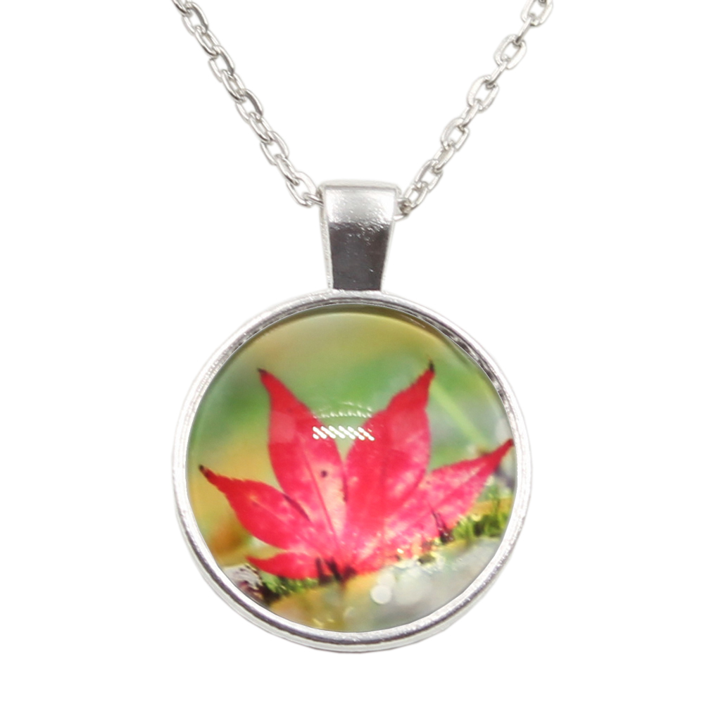 New Arrived Canada maple leaf Glass Cabochon Jewelry Crystal Cabochon Glass Chain Necklace for Women Girls Gift