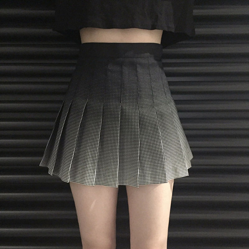 b023911ff 2018 nuevas faldas Mini mujer negro gris gradiente plisado falda alta  cintura Harajuku lindas señoras Oficina plisada faldas # A009