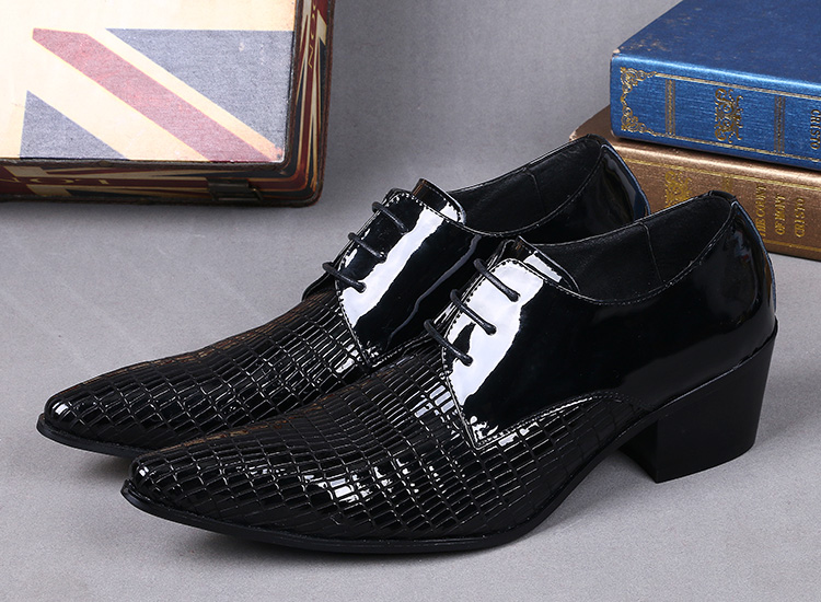 High quality patent leather pointed slip on men shoes Black formal party dress oxfords business men's leather shoes wedding shoe red patent leather man dress shoes fashion slip on oxfords for men genuine leather punk buckle chain formal party wedding shoes