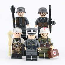 5PCS Weltkrieg 2 German Snow soldier Medic Parts Soldiers weapons figure Accessories Military building blocks toy for children