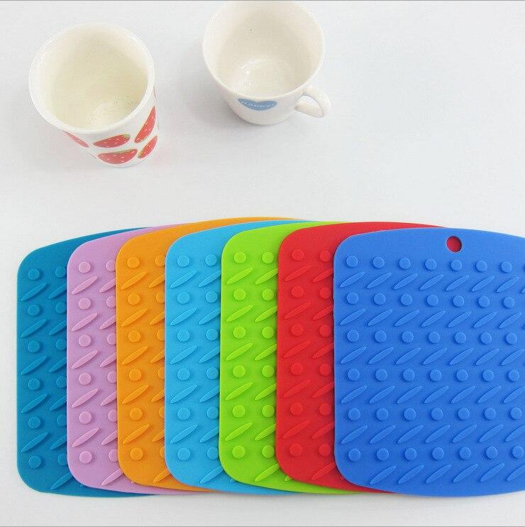 1PC silikonová podložka na stůl může být odolná proti poškrábání, protiskluzová podložka pod koberec Coaster 7 barev Silikon Placemat LB 305