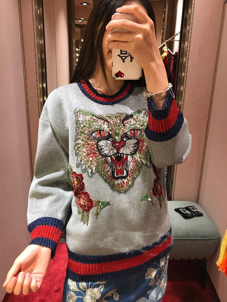 Nouveau hiver lourd paillettes Kitty floral broderie tricots lumineux soie col rond montrer mince chandail femme frapper scène