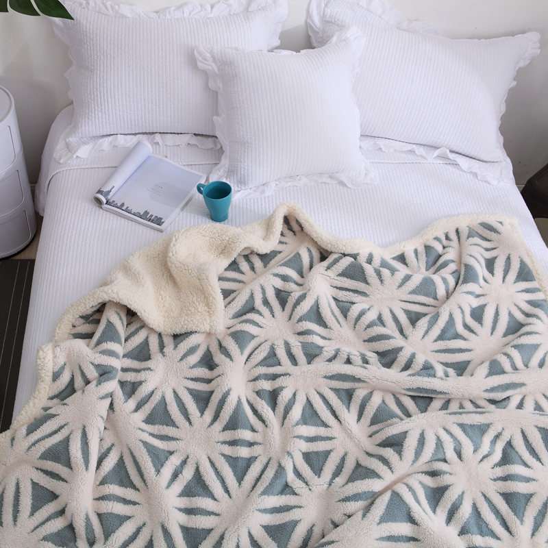 Green Fashion Double Stereo Brushed Cotton Bedding Double Carpet Double Layer Throw On Sofa Bed Plane Plaids Solid Bedspreads