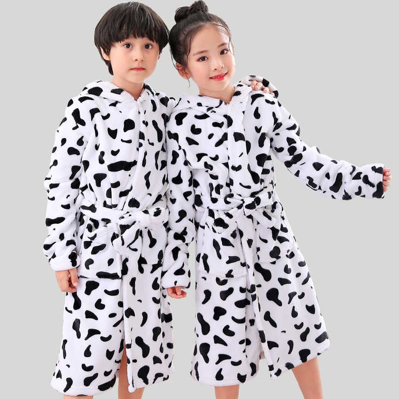 New Children Girls Robes Winter Lengthen Flannel Bath Robe for Kids Hooded  Cow Dressing Gown Girl a27c765d8