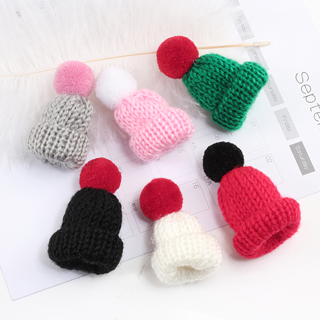 19 Color Cute Mini Knitted Hairball Hat Brooch Sweater Pins Badge 4