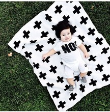 free shipping 3 sizes Baby Blanket Black White Cute Rabbit Cross Knitted Plaid For Bed Sofa BedSpread Bath Towels Play Mat Gift