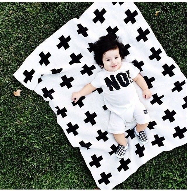 Mother & Kids Cotton Knitted Baby Blanket Black White Cute Rabbit Cross Knitted Plaid For Bed Sofa Bedspread Bath Towels Play Mat Gift Baby Bedding