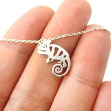 Daisies New Design Iguana Chameleon Shaped Charm Animal Necklace Pendant Minimalist Statement Jewelry Gift for Girls and Women(China)