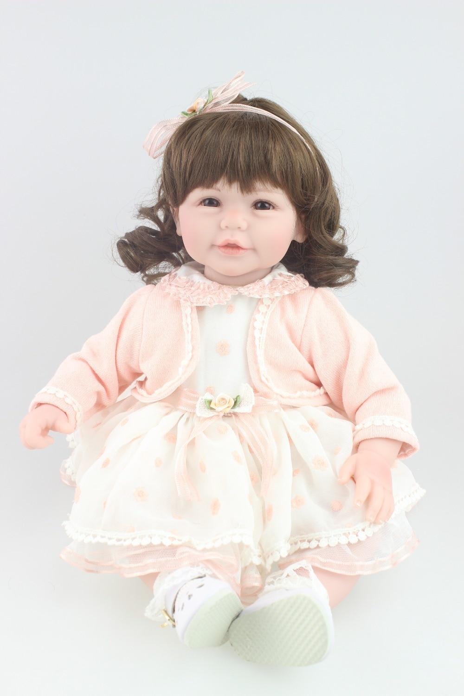 Mit viel Liebe zum Detail, einem unverwechselbarem Design, bequemer Passform und hochwertigen Materialien - so überzeugt die Baby- und Kindermode von sigikid. Mode, die Spaß macht und gern von Kindern getragen wird.
