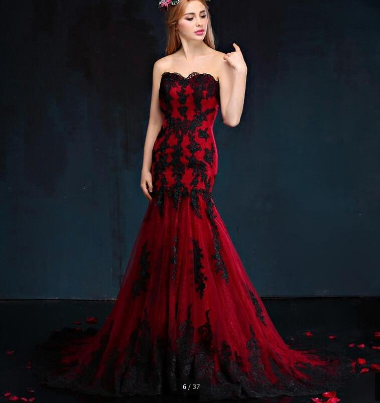 Black And Red Gothic Wedding Dresses Mermaid Sweetheart Lace Appliques Tulle Corset Back Vintage Colorful Wedding Gowns 1950s