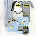2017New Ventas Calientes 6 Piezas Zapatos Sombrero de Juegos Play-boy Batman Mameluco Del Bebé Recién Nacido Regalo de Cumpleaños Regalo de Moda 100% Algodón