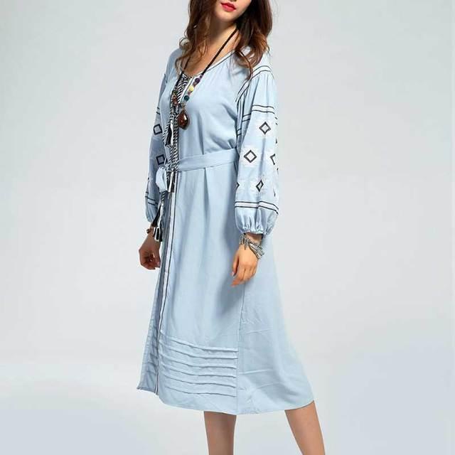 Ucrania de lino bordado midi dress mujeres vestidos de cielo azul patrón ropa boho chic vintage v-cuello de la borla de la franja de alta calidad