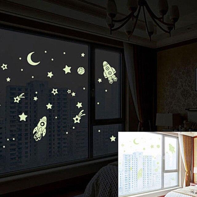 Fluorescente stars glow in the dark home decor Luminoso spazio Pianeti rocket UFO astronauta Adesivi Da Muro per bambini baby room g718