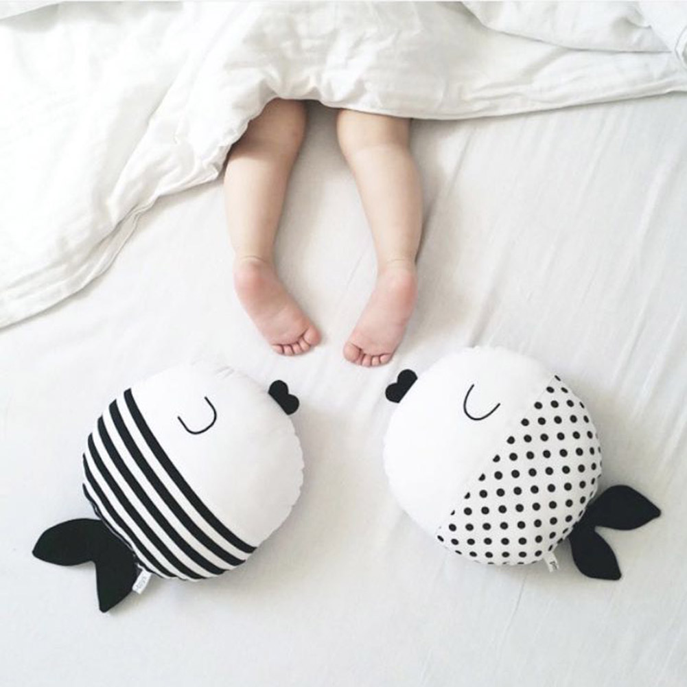 New Simple Black And White Fish Pillow Kiss Fish Polka Dot Fish Cushion Doll Accompany Sleep Doll Childrens Room Decor