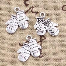30 pçs encantos luvas de natal 18x15mm antigo prata cor chapeado pingentes fazendo diy artesanal tibetano prata cor jóias