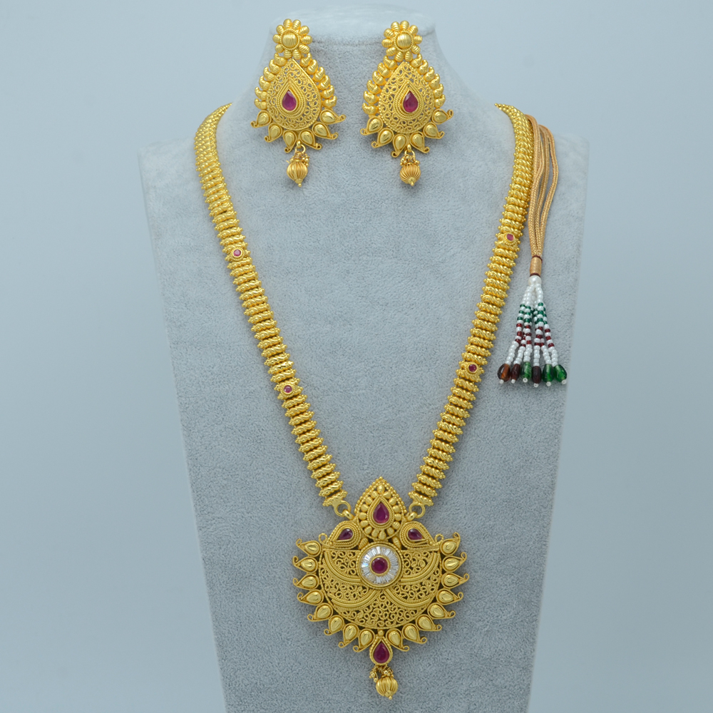 Charming Dubai Style Gold Earrings Images - Jewelry Collection ...