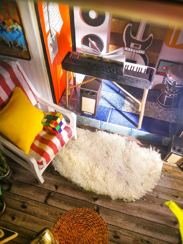 DIY 'Kevin's Studio' Miniature Doll House Model Building Kits 16