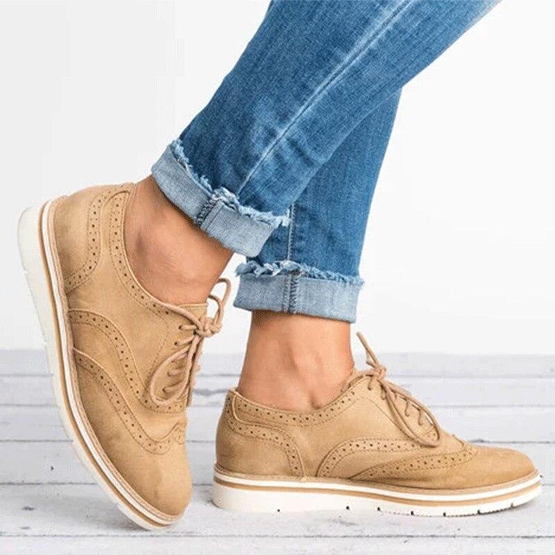 Plus Size Women Brogue Shoes Flat Platform Autumn England Ladies Shoes Oxfords 2019 Cut-Outs Lace Up Casual Female Footwear 2