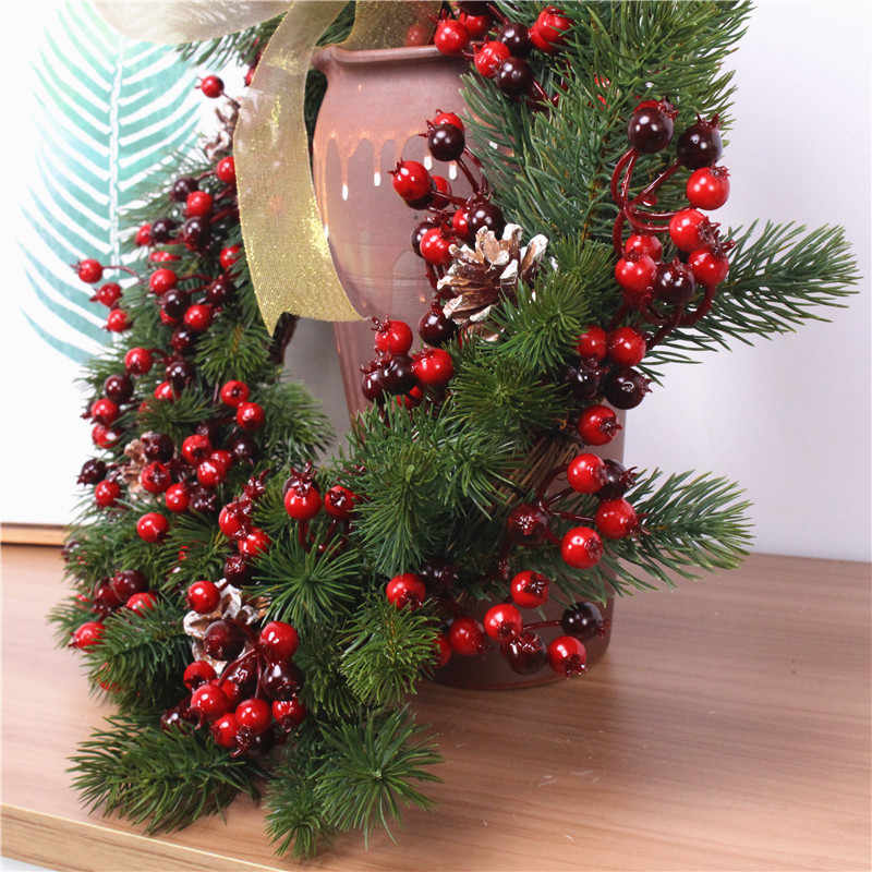 Christmas Wreath Pine Branch Wreath Berry Pine Fruit Ring Door Hanging Wall Decor Home Christmas Wedding Decoration Gift Garland