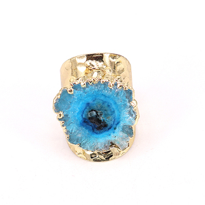 Image 3 - 5 개/몫 행운 보석 반지 여성 Naturl 돌 불규칙한 블루 쿼츠 스톤 쥬얼리 손가락 크리스탈 반지 황금 조절 링