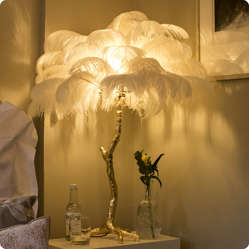 Modern Luxury Ostrich Lamp Table Lamp Ostrich Feather Table Light Romantic Princess Bedroom Lamp Office lamp