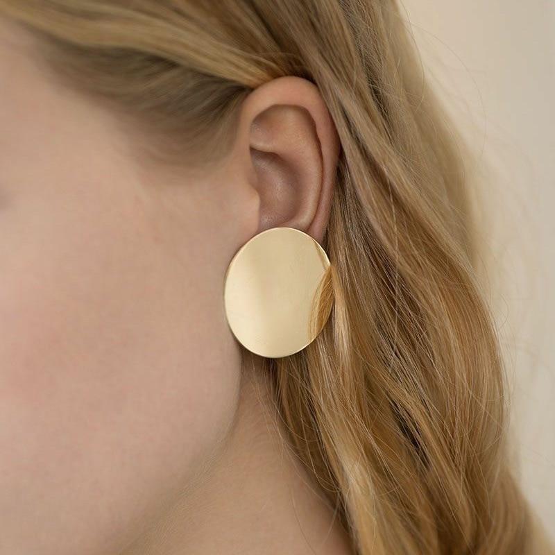 Nuevos 2018 pendientes pendientes brillantes aros dourados redondos lisos orejas de estilo Simples de encanto de circulo par claro