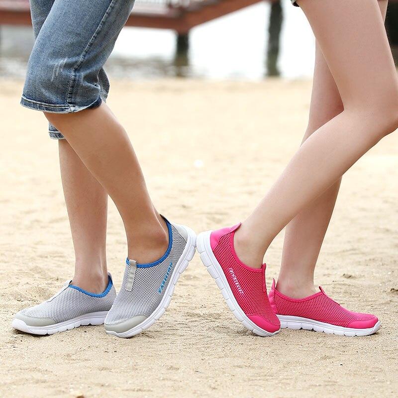 все цены на Men Shoes 2018 Summer Fashion Breathable Network Men Casual Shoes Slip-on High Quality Flat Mesh Shoes Plus Size 35-48 онлайн