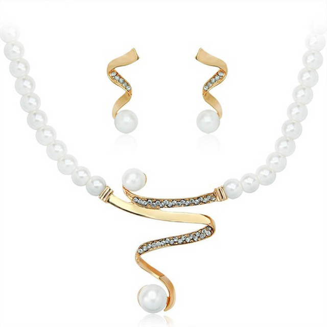 Top Quality Imitation Pearl Gold Color Elegant Wedding Jewelry Necklace Earrings Set Made With Austrian Crystals