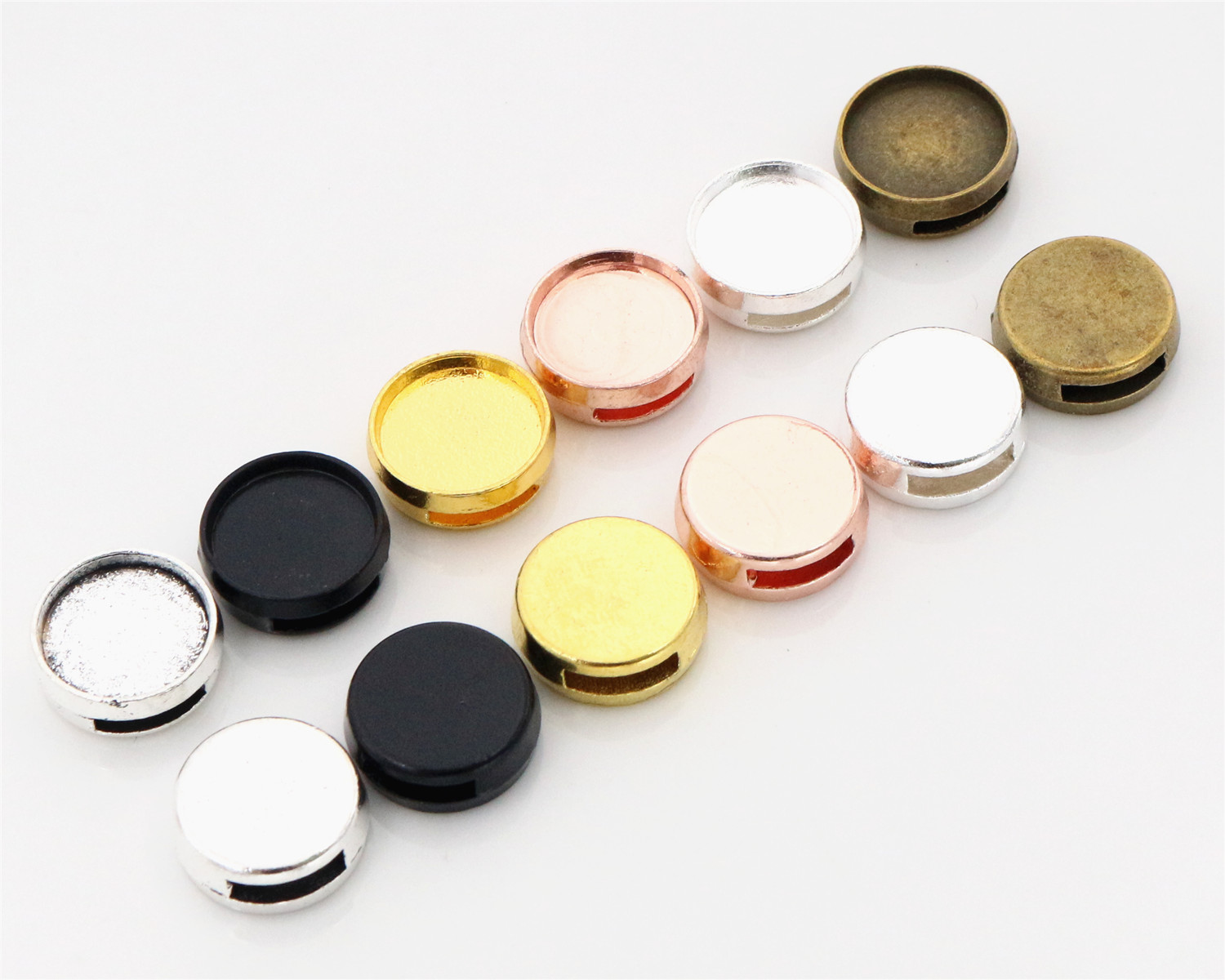 16pcs 12mm Inner Size 6 Colors Fashion Style Cabochon Base Cameo Setting Charms Pendant For 0.8mm Leather Bracelet16pcs 12mm Inner Size 6 Colors Fashion Style Cabochon Base Cameo Setting Charms Pendant For 0.8mm Leather Bracelet