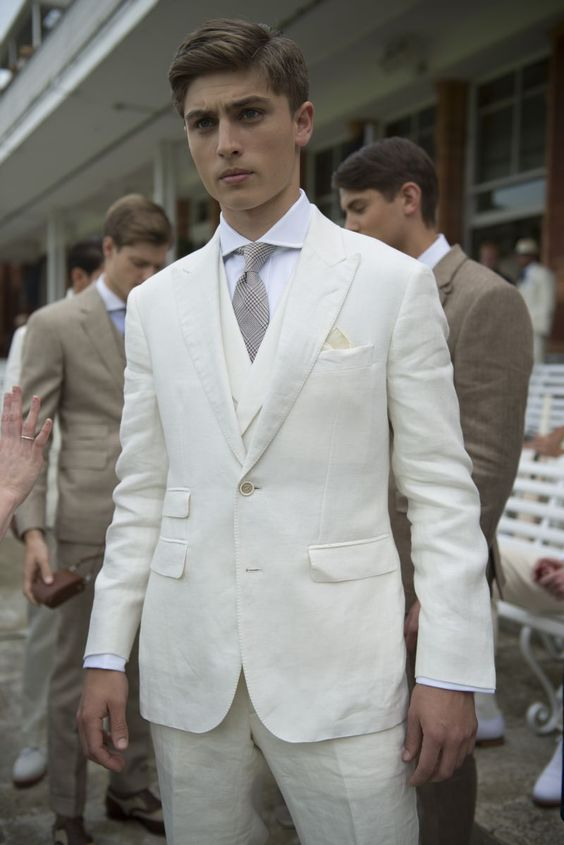 Custom Designs Men's Blazer Two Buttons Suit for Wedding White Ivory Peaked Lapel Groomsmen Bridegroom 3 Pieces DEMO6521