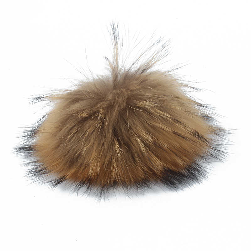 Venta al por mayor de pompón de piel de mapache auténtico y natural para sombrero grande 15cm DIY pompón de piel con broche hecho a mano accesorios de bola de piel genuina