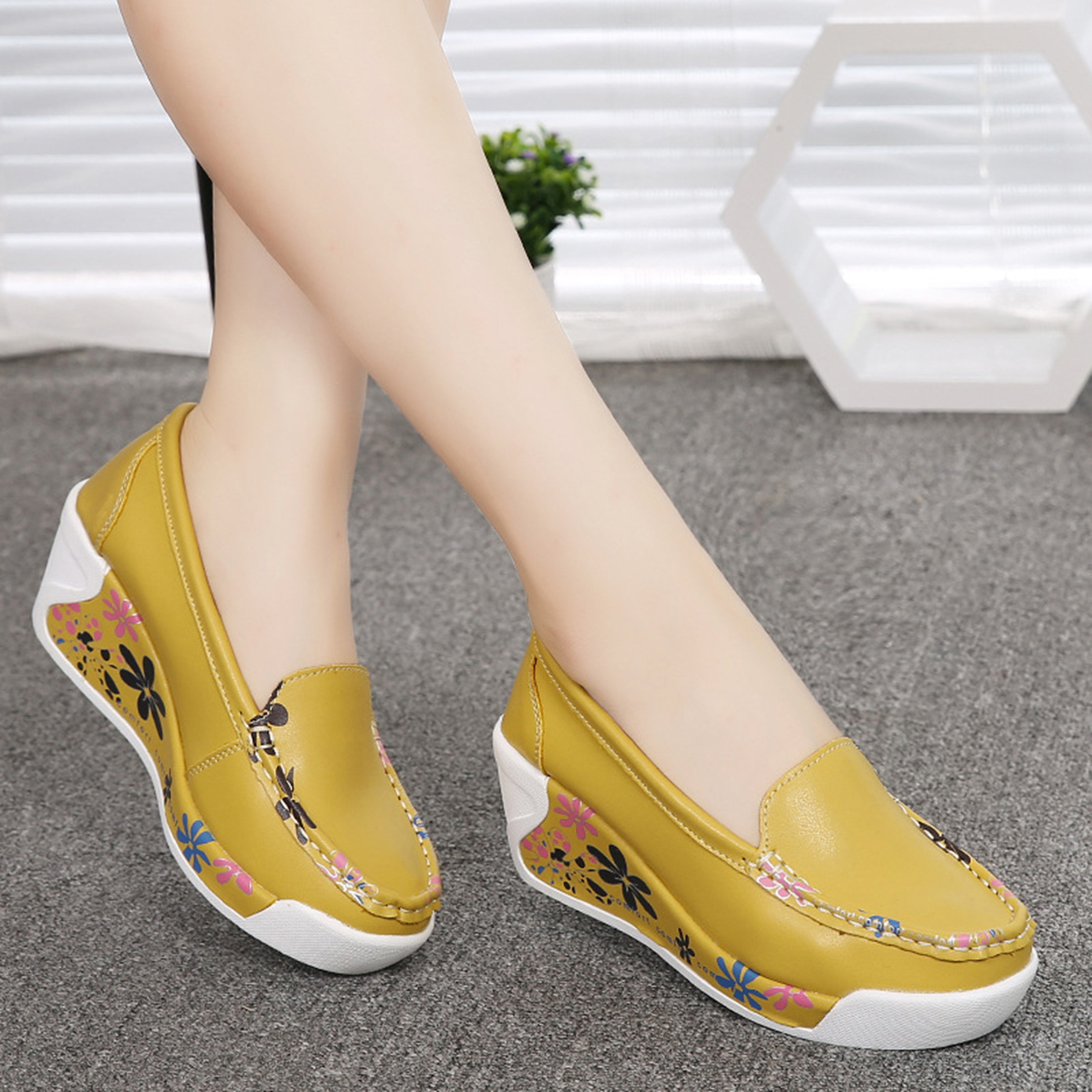Hot Sale New Women Genuine Leather Platform Shoes Wedges White nurse shoes Lady casual Shoes Swing mother shoes size 35-40