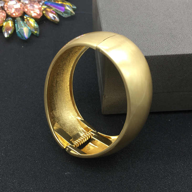 1866631fe ... MANILAI Inferior smooth Gold Color Alloy Punk Cuff Bracelets Women 2018  Geometric Statement Bangles Bracelets Big ...