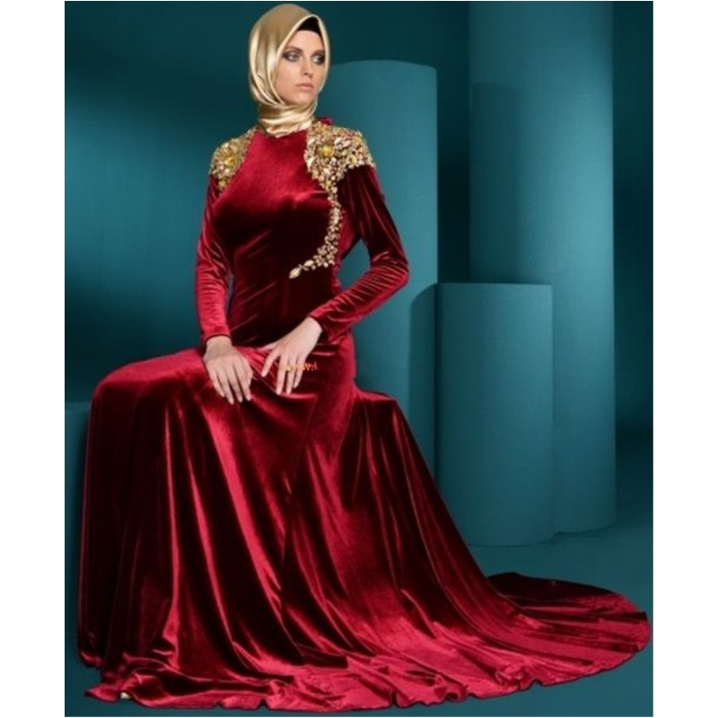 Images of Red With Gold Dress - Reikian