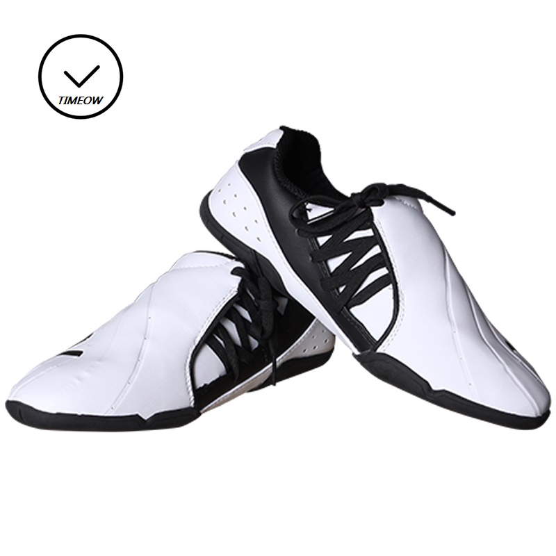 Breathable Soft Rubber Soles Taekwondo Shoes International Karate Association Designated Shoes Instructor Shoes Training ProtectBreathable Soft Rubber Soles Taekwondo Shoes International Karate Association Designated Shoes Instructor Shoes Training Protect