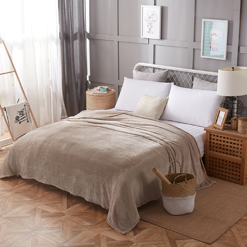 Cloud Bedspread Blanket 200x230cm High Density Super Soft Flannel Blanket To On For The Sofa/Bed/Car Portable Plaids