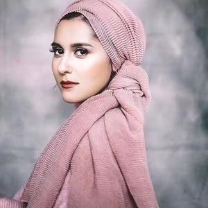 Image 1 - أوشحة شتوية ناعمة طويلة مجعد بتصميم ساخن وشاح إسلامي منسوج للحجاب 25 لونًا
