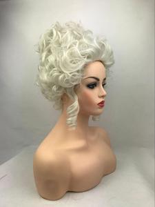 Image 2 - גבוהה באיכות מארי אנטואנט נסיכת בינוני מתולתל פאת קוספליי עמיד בחום סינטטי שיער קוספליי פאות + כובע פאה