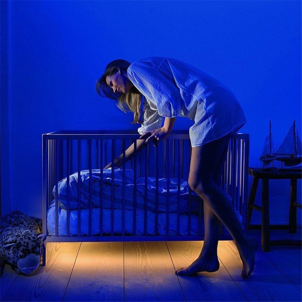 Inalámbrico luces del Gabinete LED Sensor de movimiento bajo 2835 batería Flexible dormitorio noche luz 6 V cama Conjunto de cortinas de terciopelo rojo para dormitorio de lujo de diseño europeo cortina de Valance para sala de estar bordado de tul