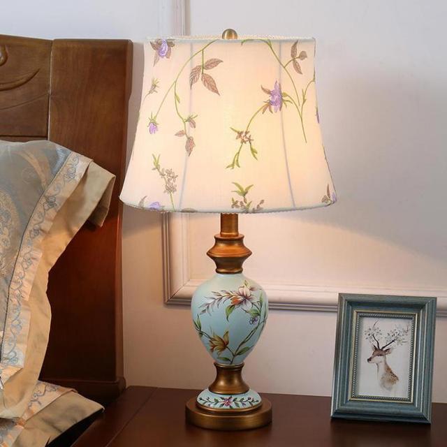 Creative European Style Antique LED E27 Ceramic Table Lamp For Living Room Warm Bedroom Bedside Deco Lights 1111