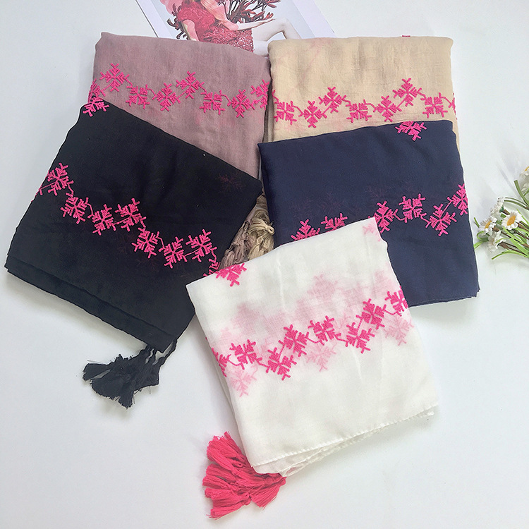 2017 New Embroidery Snow Flower Pattern Tassel Scarf Geometry Embroidered Scarves And Shawls Tassel Wrap Hijab 10pcs/LOT