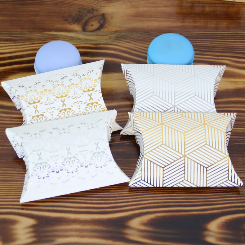 5 Pcs Creative Gold Foil Candy Box European Style New Pillow Box Hot Silver Pillow Packing Carton Gift Boxes Wedding Decoration