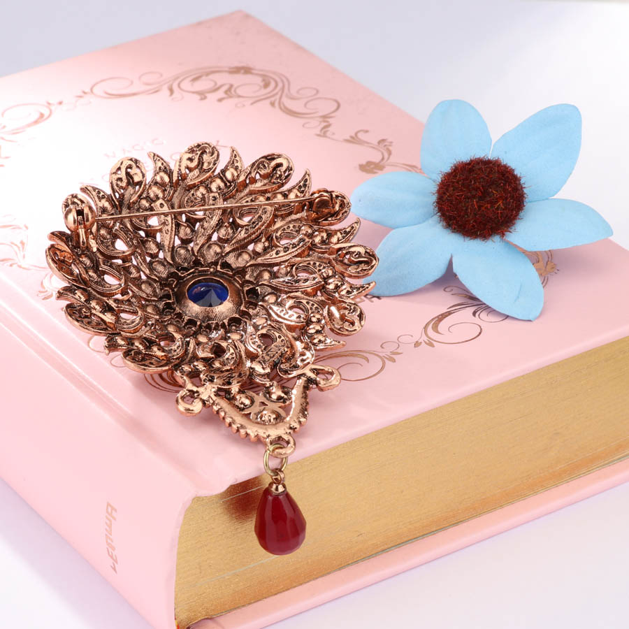 Kinel New Arrivals Vintage Hollow Flower Brooch Antique Gold Inlaid ...