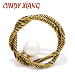 CINDY XIANG New Arrival Vintage Circle Brooches for Women Pearl Simple Design Coat Accessories High Quality Corsage Good Gift