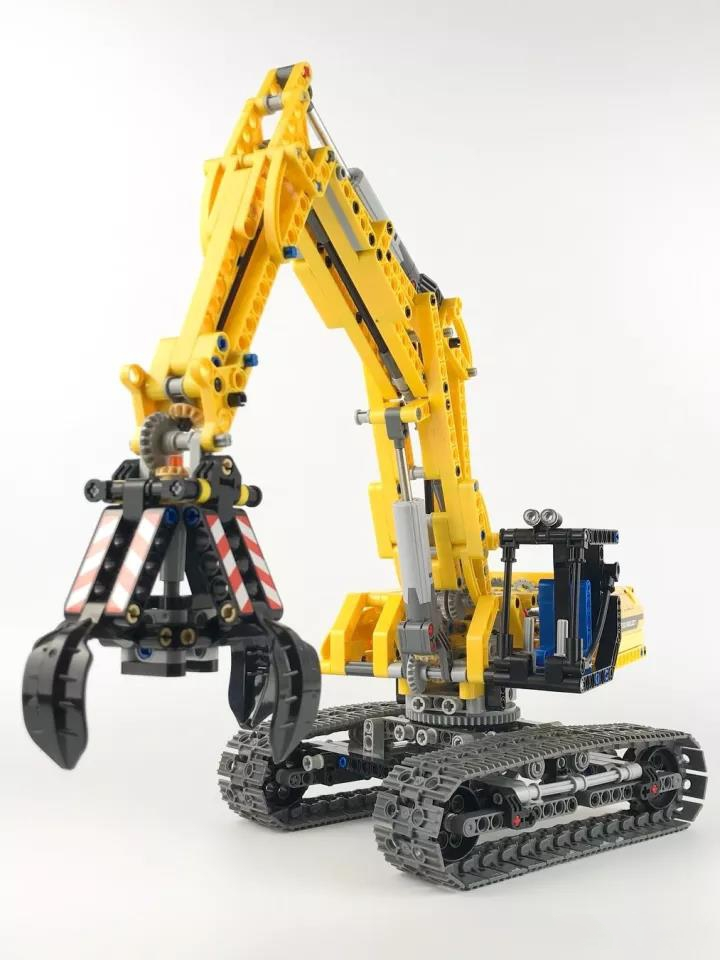 HOT SALE 720pcs Technic City Excavator Lepins DIY Model Building Block Compatible Figures Brick Toy Chikdren Gift loz mini diamond block world famous architecture financial center swfc shangha china city nanoblock model brick educational toys
