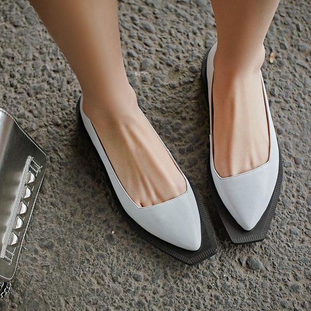 2016 Nuevos colores Sólidos gladiador de tacón med punta cuadrada de cuero genuino modelo fotos muestran la moda gracia mocasines zapatos de las mujeres