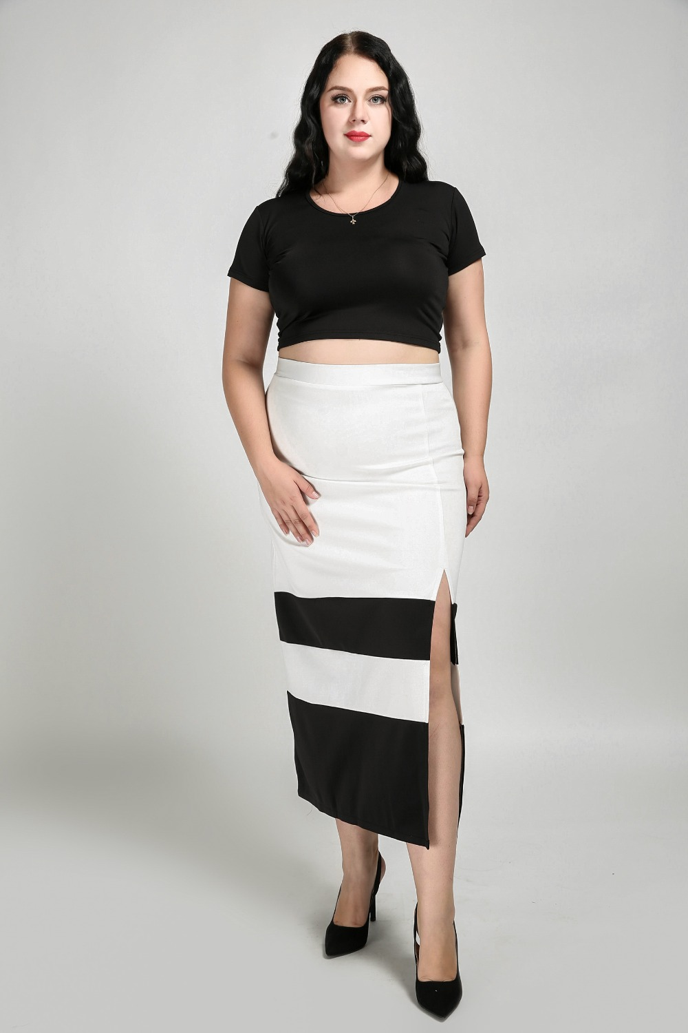 9d06d3cddbe Women s Sexy High Waist Plus Size Maxi Skirt Black And White Patchwork  Casual Skirt With Slits Sides Autumn Winter Skirt