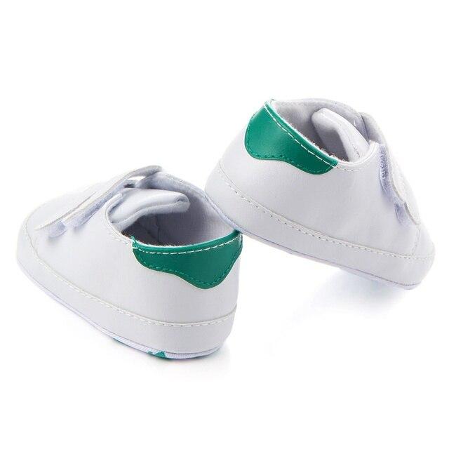 Giày Đơn Giản PU Giày Mềm Mại Cho Bé Trắng Giày Sơ Sinh Bé Trai Gái Đầu Tiên Xe Tập Đi Đế Mềm Giày Thể Thao Sneaker Sang Trọng