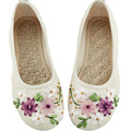 Chinese New National Floral Traditional Embroidery Casual Women Flats Fashion Shoes For Woman Flowers Shoes big size 42
